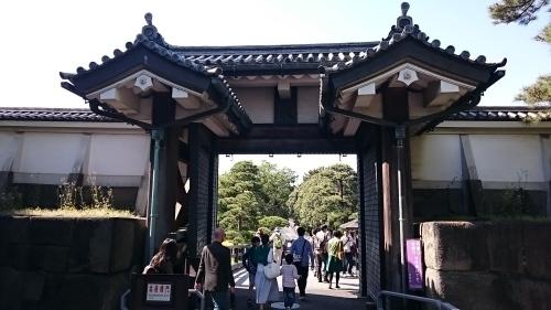 皇居東御苑に藤棚を見にいってきた!_c0100865_10454877.jpg