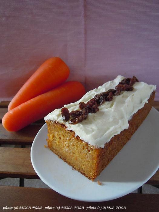 米粉のケーキとキャロットケーキ_b0164803_14231880.jpg