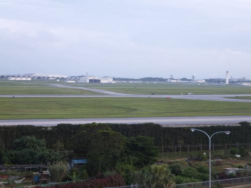 沖縄米軍基地の旅一日目_e0041047_05352630.jpg