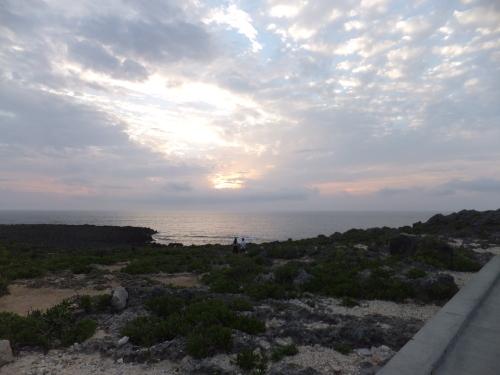 沖縄米軍基地の旅一日目_e0041047_05373643.jpg