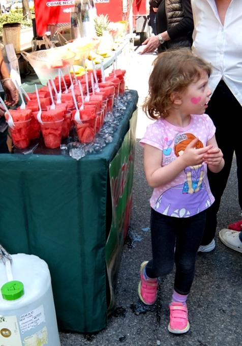 今年もニューヨークに、ストリート・フェアの季節がやってきました(5月開催情報付)_b0007805_5162210.jpg