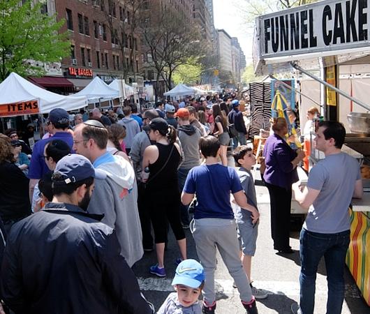 今年もニューヨークに、ストリート・フェアの季節がやってきました(5月開催情報付)_b0007805_517651.jpg
