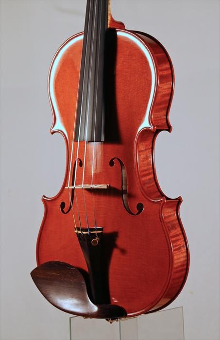 最新作ヴァイオリン、写真と動画でのご紹介。_d0047461_5394654.jpg
