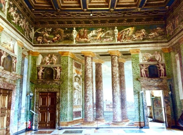 ローマの軌跡2、ルネサンスの宝石『ヴィッラ・ファルネージーナ荘』_a0138976_2005836.jpg