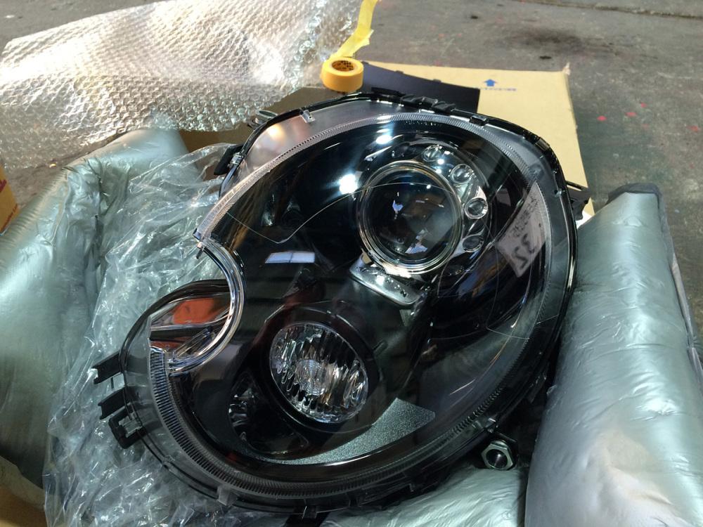 MINI R56 インナーブラックヘッドライト交換_c0317377_18442440.jpg