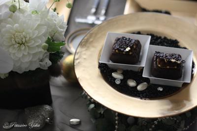 Pâtissière Yuka お菓子アルバム ~Noël 2014~ 「Cake aux chocolat chocolat」_c0138180_21195616.jpg
