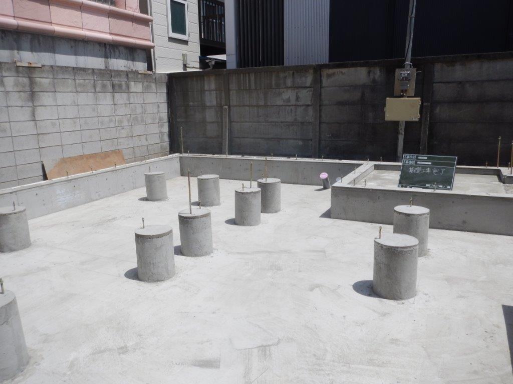 中野富士見町の家:基礎完成_e0054299_07085363.jpg