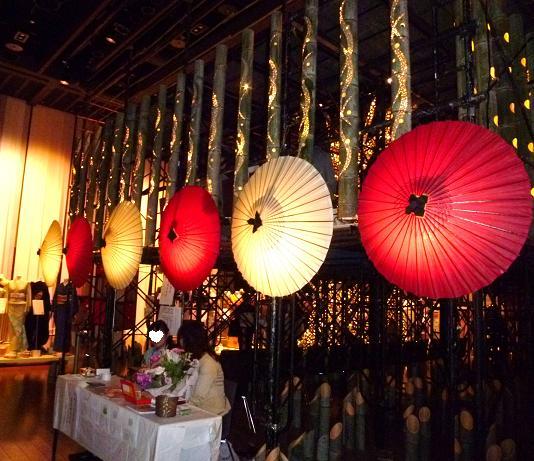 わーと日本橋・着いたらまず、素晴らしい光の茶会へ。_f0181251_16591948.jpg