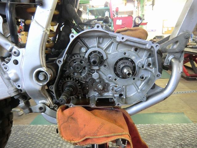XR250 エンジン組み立てです~_e0114857_1914164.jpg