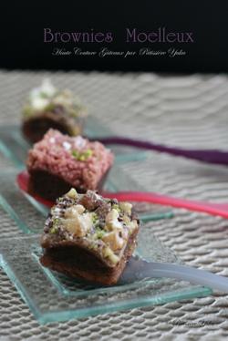Pâtissière Yuka お菓子アルバム ~St-valentin ③~ 「Brownies」&「Mousse au chocolat blanc」_c0138180_18104126.jpg