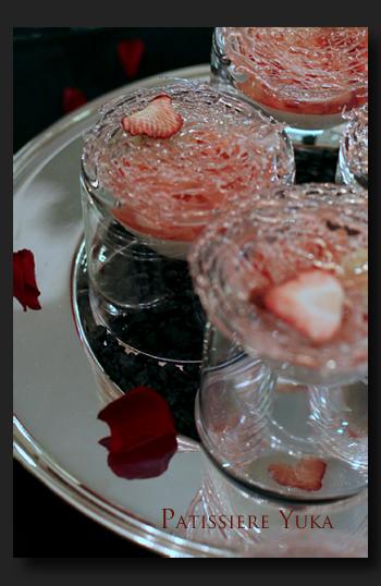 Pâtissière Yuka お菓子アルバム ~St-valentin ③~ 「Brownies」&「Mousse au chocolat blanc」_c0138180_18132431.jpg
