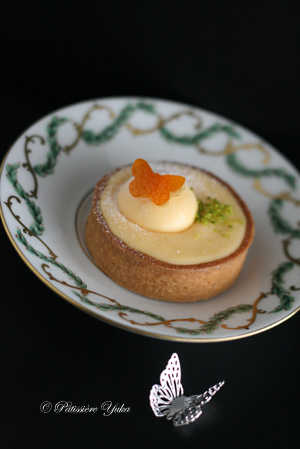 Pâtissière Yuka お菓子アルバム Ⅱ-⑨ 「Tarte passion framboise」&「Tarte d\'automne」 _c0138180_20595311.jpg