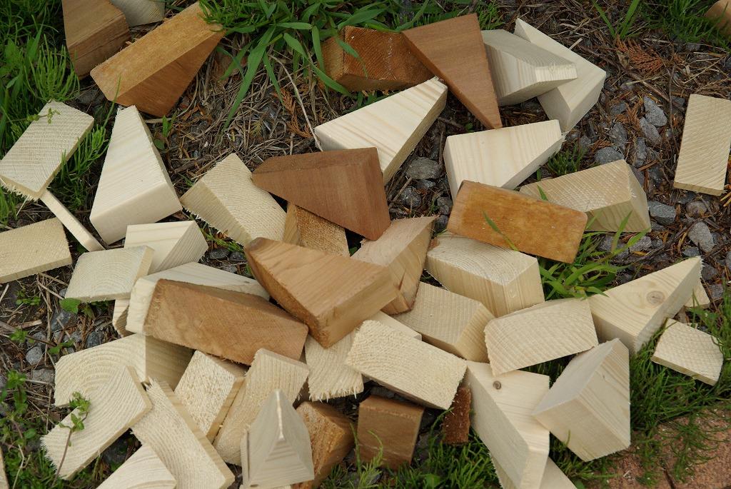 小屋作り・六角形小屋はムダが出る編_a0107184_10532918.jpg
