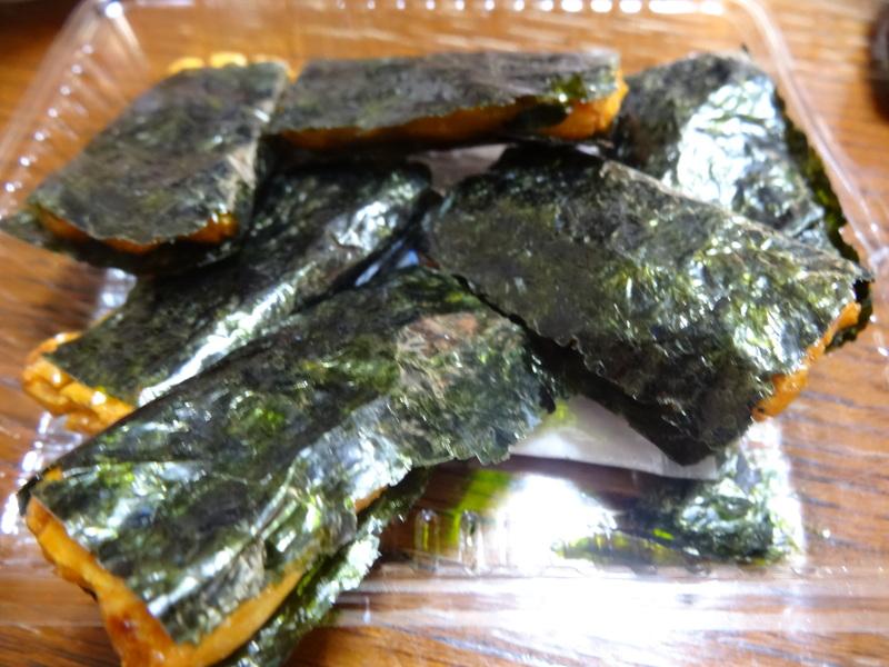 焼き鮭、鶏つくね団子汁、野菜サラダ、、おでん、鰤の照り焼き、ハンバーグステーキです。_c0225997_17434535.jpg