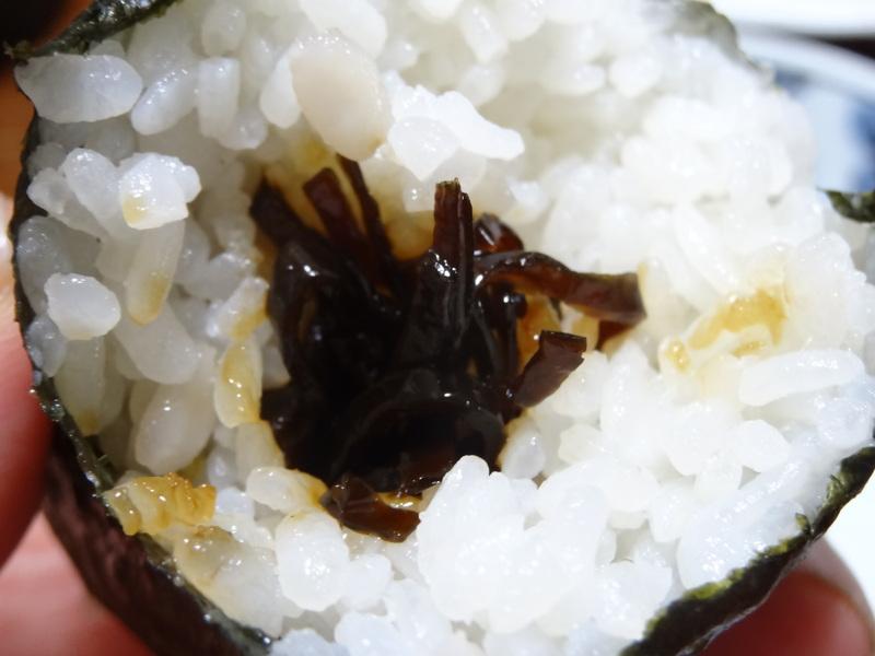 焼き鮭、鶏つくね団子汁、野菜サラダ、、おでん、鰤の照り焼き、ハンバーグステーキです。_c0225997_18134351.jpg