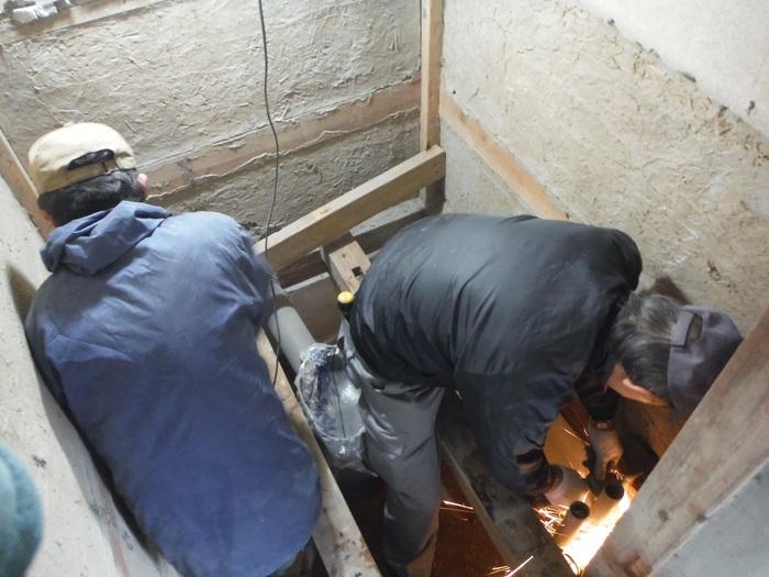 和式を洋風トイレへ改装 ~ 床の作り直し_d0165368_5251575.jpg