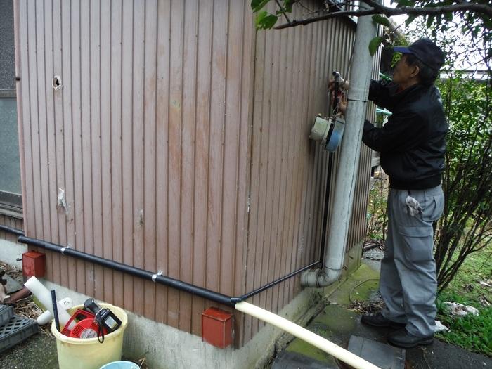 和式を洋風トイレへ改装 ~ 床の作り直し_d0165368_5262443.jpg