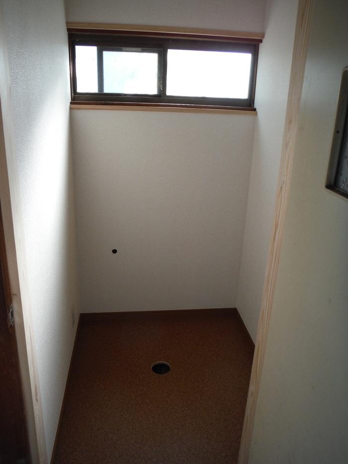和式を洋風トイレへ改装 ~ 完成です。_d0165368_532445.jpg