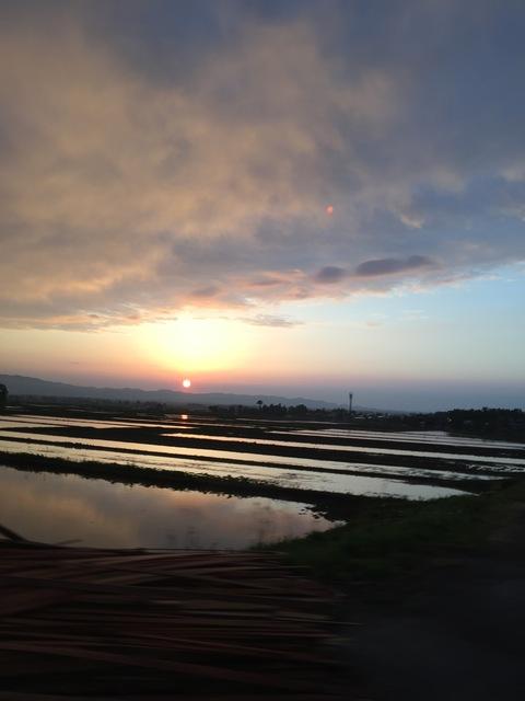 虹と夕日_d0182179_12382987.jpg