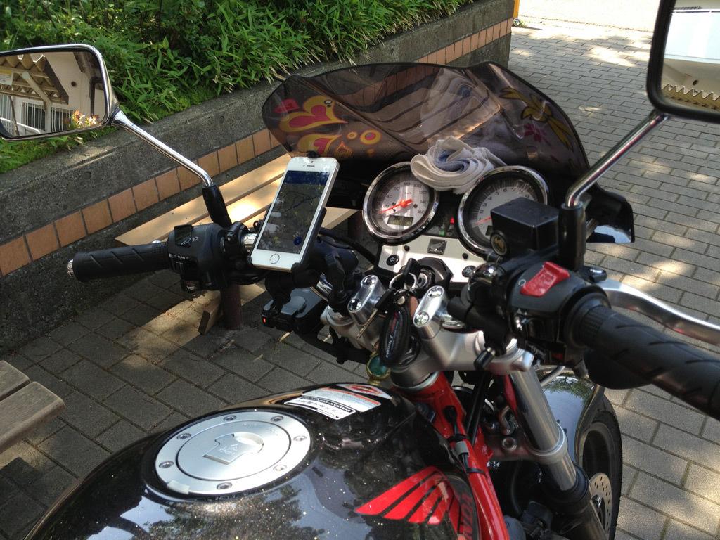 バイク用iPhoneマウント_b0005376_22531133.jpg