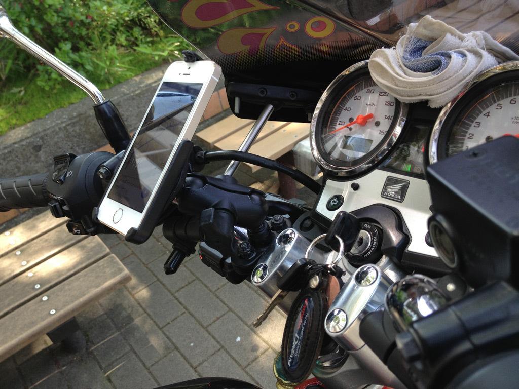 バイク用iPhoneマウント_b0005376_22531458.jpg