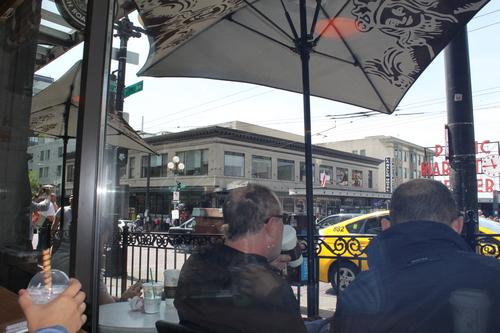 ほぼ初めてのシアトル?!その2ーPike Place Market散策_e0123104_2383130.jpg