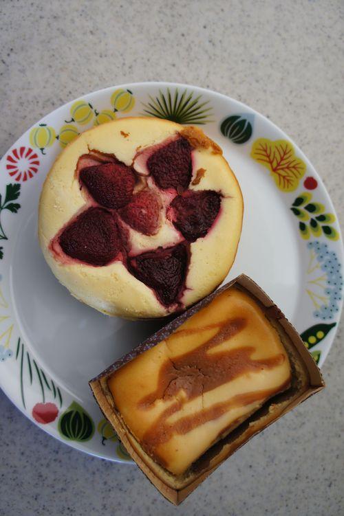 グッデイ・フォーユーのチーズケーキ&スコーン_f0215714_16283054.jpg