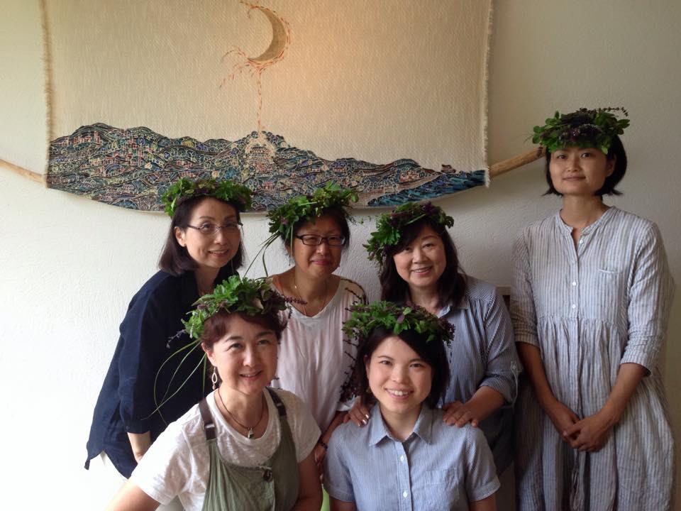 春のハーブで花冠作り『海坐×磯崎由香コラボproduce』_d0100638_1840836.jpg