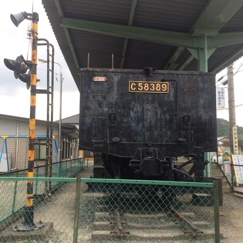 二俣駅前の機関車_e0131611_16443936.jpg