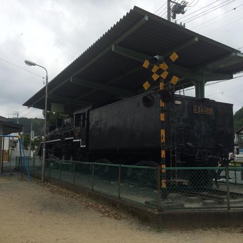二俣駅前の機関車_e0131611_16445419.jpg