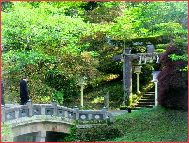 嬉野温泉から車で30分、武雄温泉に行く_b0104092_1572510.jpg