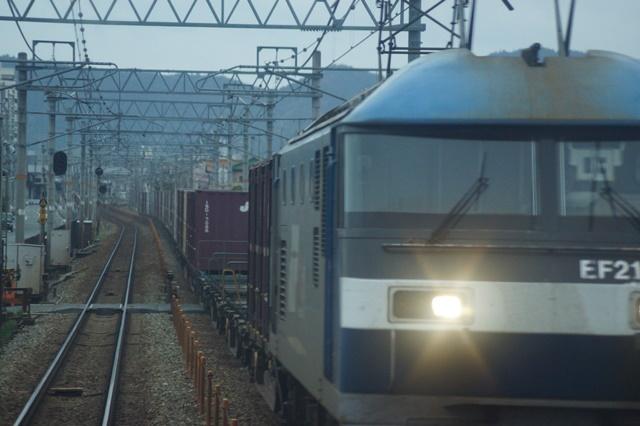 大阪都構想の賛否を掛けて住民投票中・・・貨物列車から学ぶ指導者の素質_d0181492_15561378.jpg