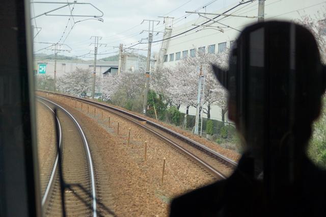 大阪都構想の賛否を掛けて住民投票中・・・貨物列車から学ぶ指導者の素質_d0181492_155719100.jpg