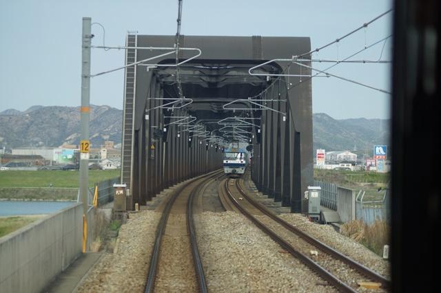 大阪都構想の賛否を掛けて住民投票中・・・貨物列車から学ぶ指導者の素質_d0181492_1559443.jpg