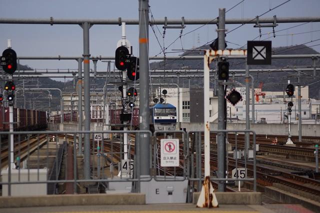 大阪都構想の賛否を掛けて住民投票中・・・貨物列車から学ぶ指導者の素質_d0181492_15595520.jpg