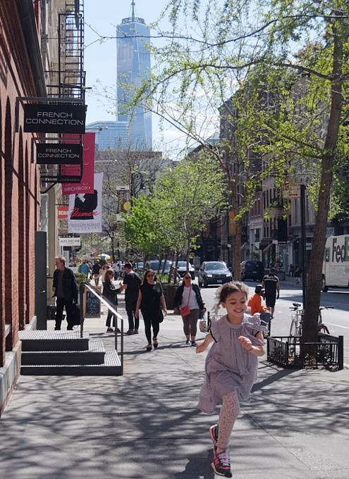 ニューヨークのSohoに家族連れが増えてる印象_b0007805_22495883.jpg