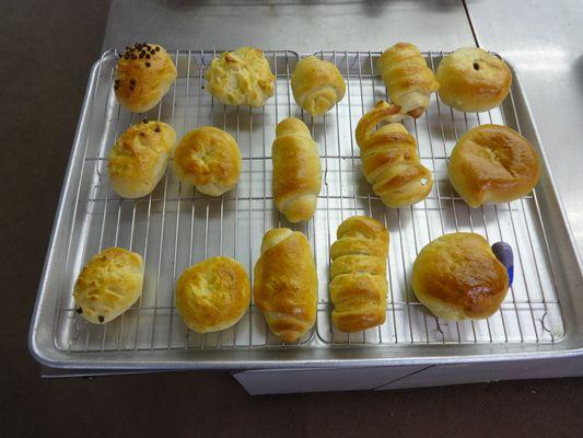 5/14 施設間交流でパン作り_a0154110_13384487.jpg