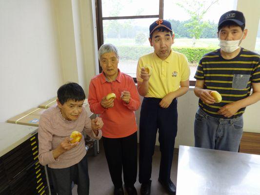 5/14 施設間交流でパン作り_a0154110_133851100.jpg