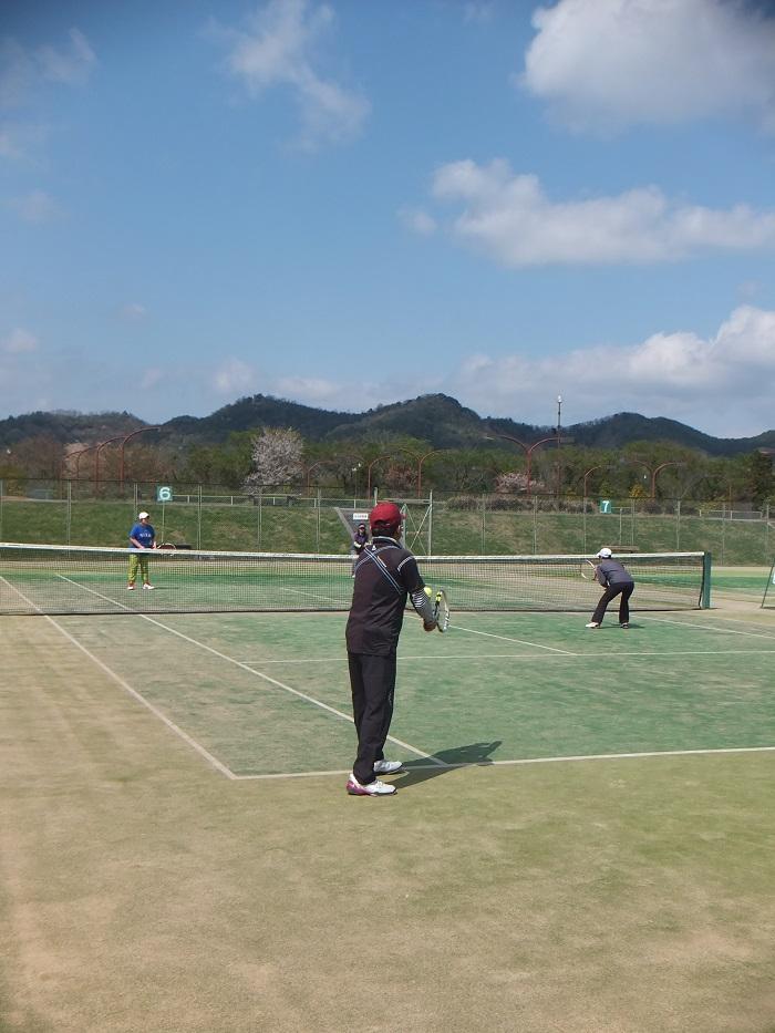◆テニス春合宿 ~普段の行いは天気に現れる?の巻~_f0238779_61225.jpg