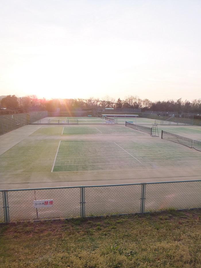 ◆テニス春合宿 ~普段の行いは天気に現れる?の巻~_f0238779_651243.jpg