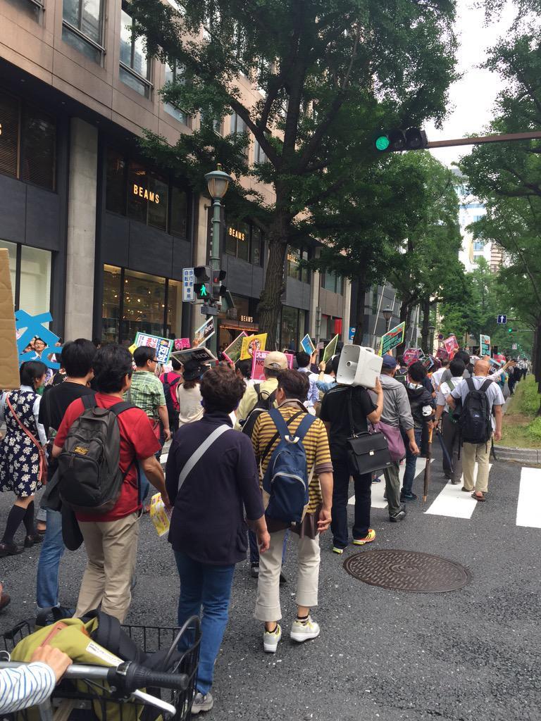 「つぶせ都構想!」大阪サウンドデモに600人_f0212121_1853895.jpg