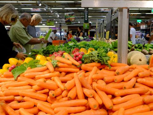 「ニューカレドニア スーパーマーケット&お土産」_a0000029_2356526.jpg