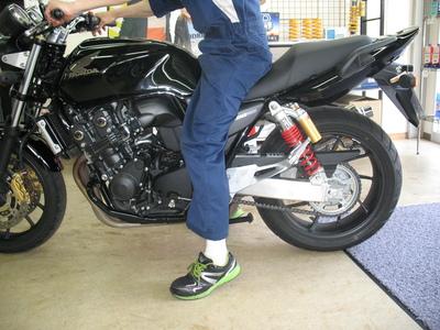 CB400にバイクザシートインサイドでローダウン_e0114857_2095285.jpg