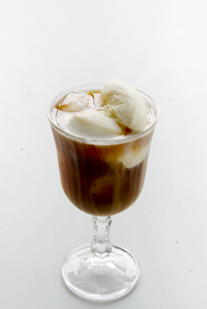 Vanilla ice cream coffee float_a0162301_16525453.jpg