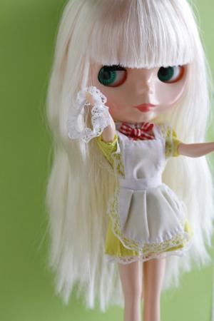 ダイソーのエリーちゃんのお洋服をブライスに着せてみました_a0275527_00032550.jpg