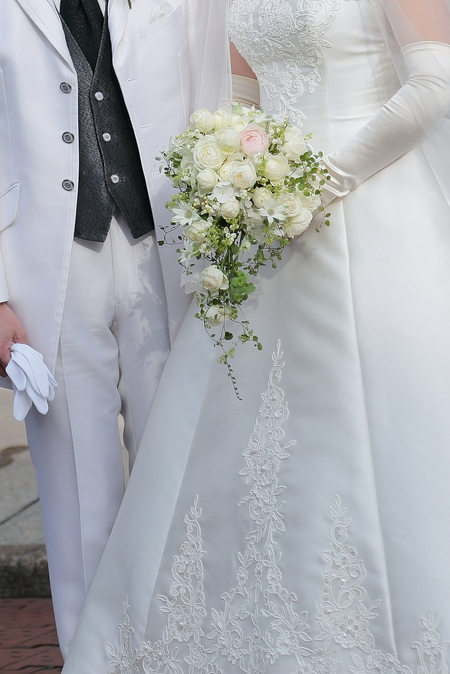 初夏の装花 シェ松尾松濤レストランさまへ  薔薇と、薄い紫で_a0042928_22154526.jpg