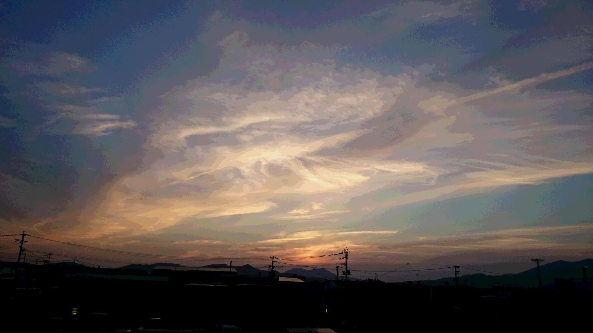 〔空と雲〕神様のお絵かき&空にお習字?…。(^^)_b0298740_22222585.jpg