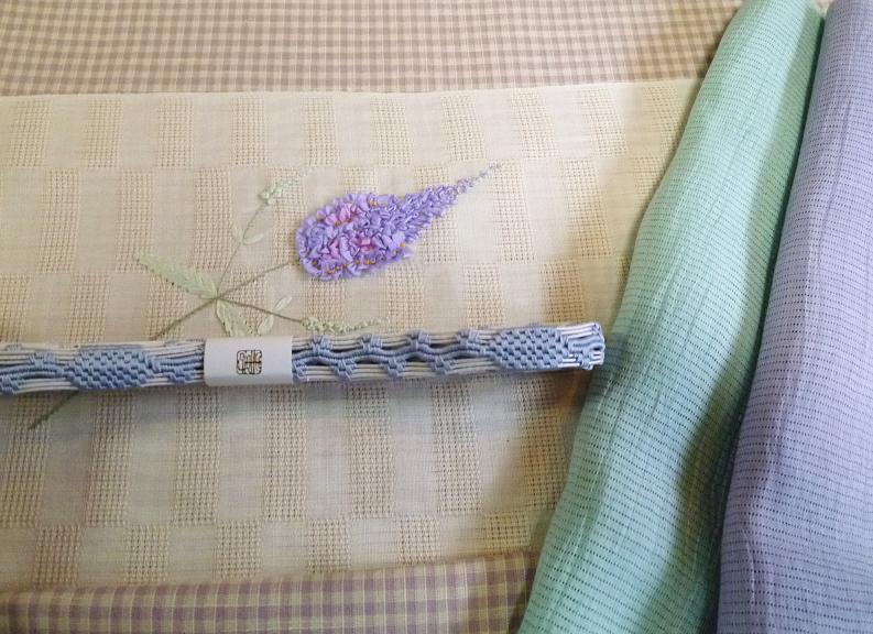 お能の会、皆様の帯周り・立体的刺繍帯コーディネイト。_f0181251_11451533.jpg