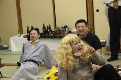 宴会に突入だ〜(笑)_e0166762_19445932.jpg