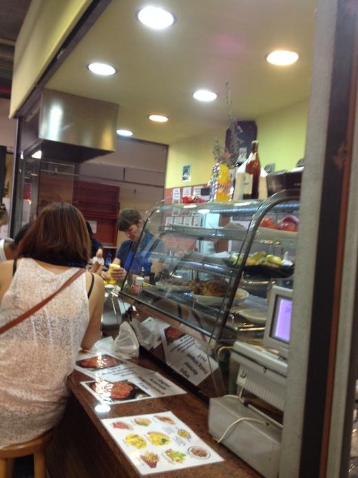 中央市場、カーチャのドイツ料理店_a0136671_1441276.jpg